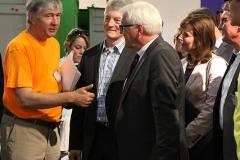 Prof. Mehlhorn erklart Hr. Hiesinger CEO ThyssenKrupp und F.-W.SteinmeierSPD die IDEENBOX